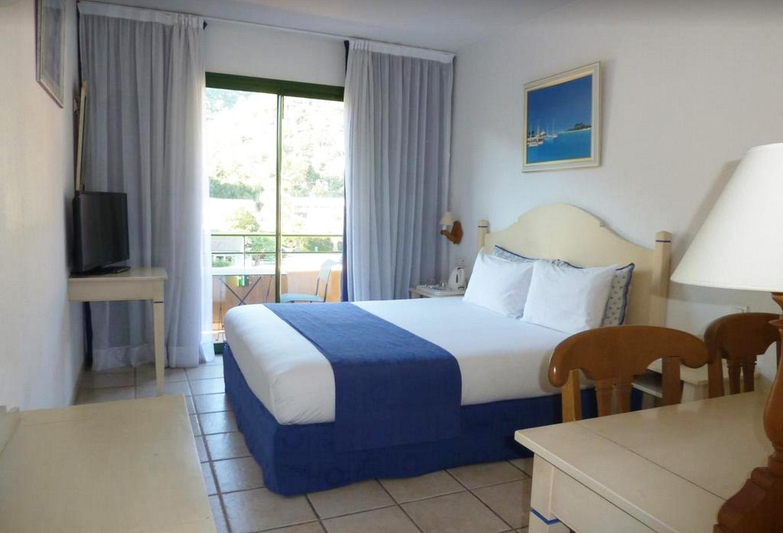 Chambre spacieuse et lumineuse au BEST WESTERN à Gémenos près d'Aubagne