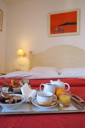 petit-dejeuner-hotel-gemenos-aubagne